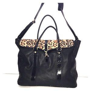 Steve Madden Weekender Travel Bag NWOT Retail $100